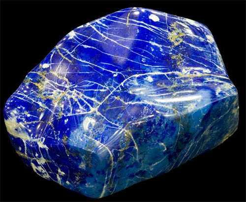 Лазурит - камень искренности и добрых сил природы