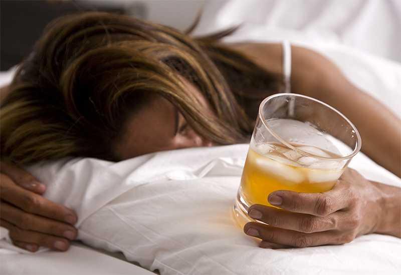 5 причин, почему алкоголь для засыпания совершенно вреден