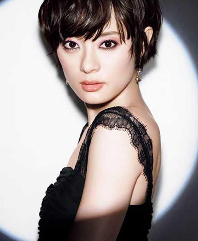 Самые красивые девушки Китая в национальных костюмах и без