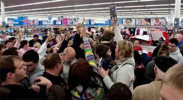 Хроники супермаркета. Как нас заставляют покупать больше и больше