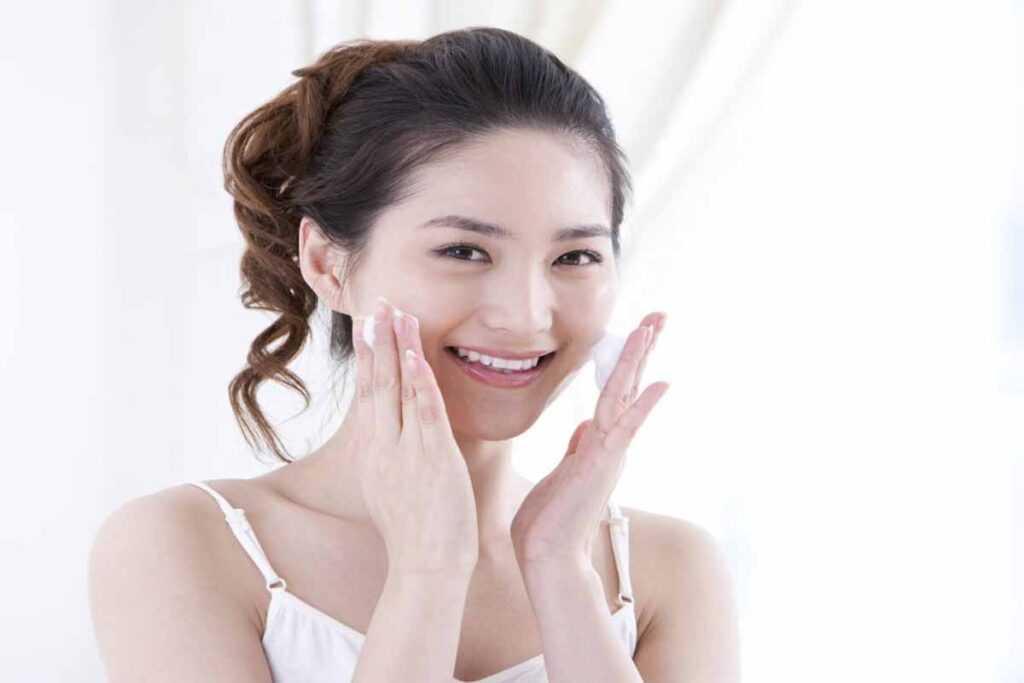 Корейская косметика. Как поэтапно пользоваться корейской косметикой утром и вечером. Начинаем наводить красоту с утра и продолжаем вечером.