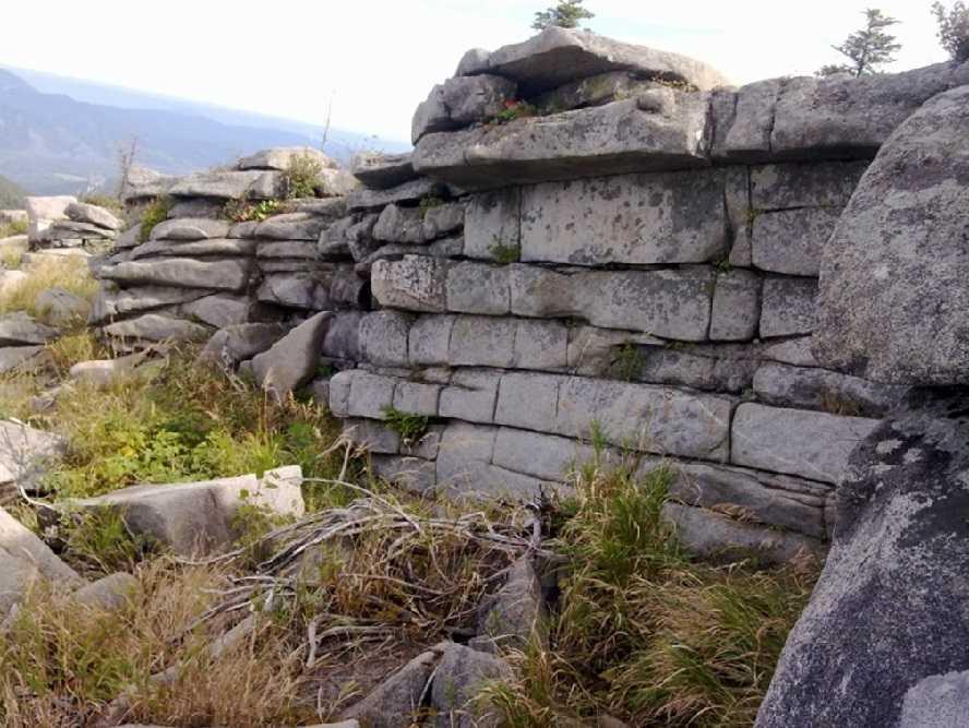 Находка в тайге остатков храма канувшей в лету древней цивилизации