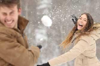 Попала снежком прямо в лицо, зимняя романтическая история