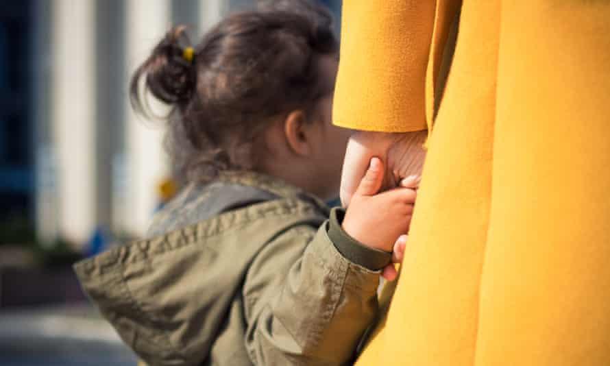 Как получить разрешение органов опеки на продажу квартиры с участием ребенка
